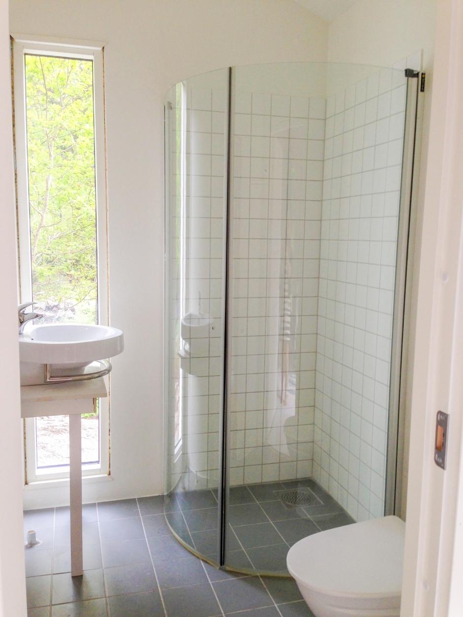 Dusche im Nebenhaus an unserem Fereinhaus in Schweden bei Stockholm.